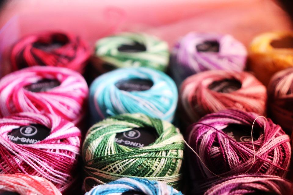 barevné šití