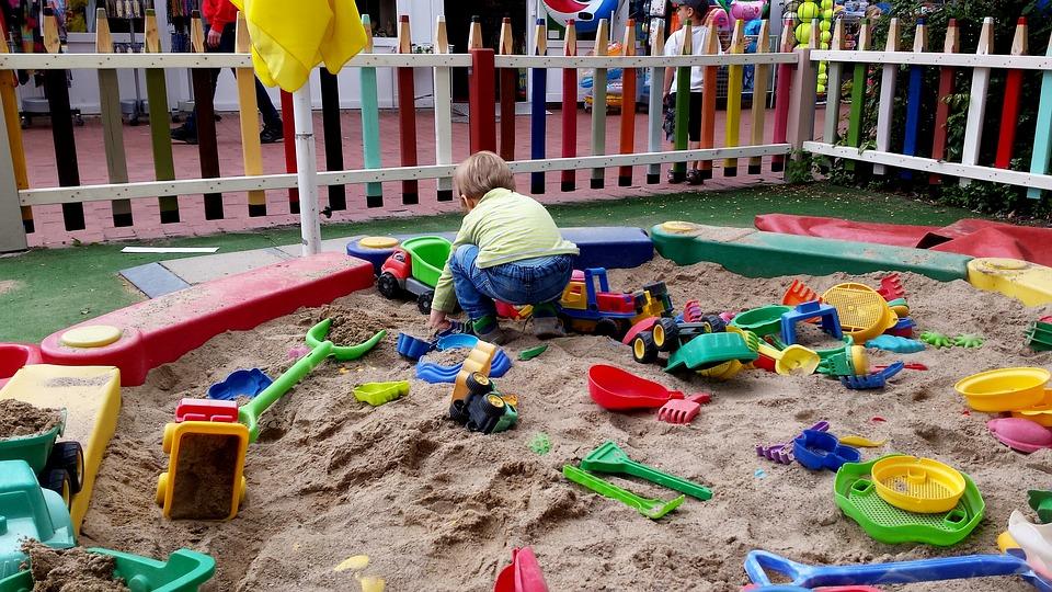 hraní na pískovišti