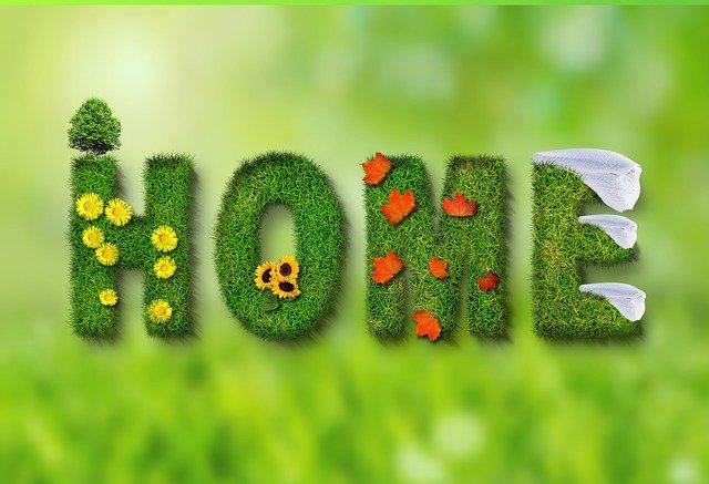 """květinový nápis """"HOME"""" – domov"""