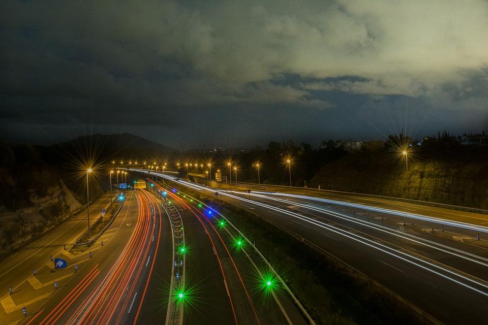 večerní dálnice